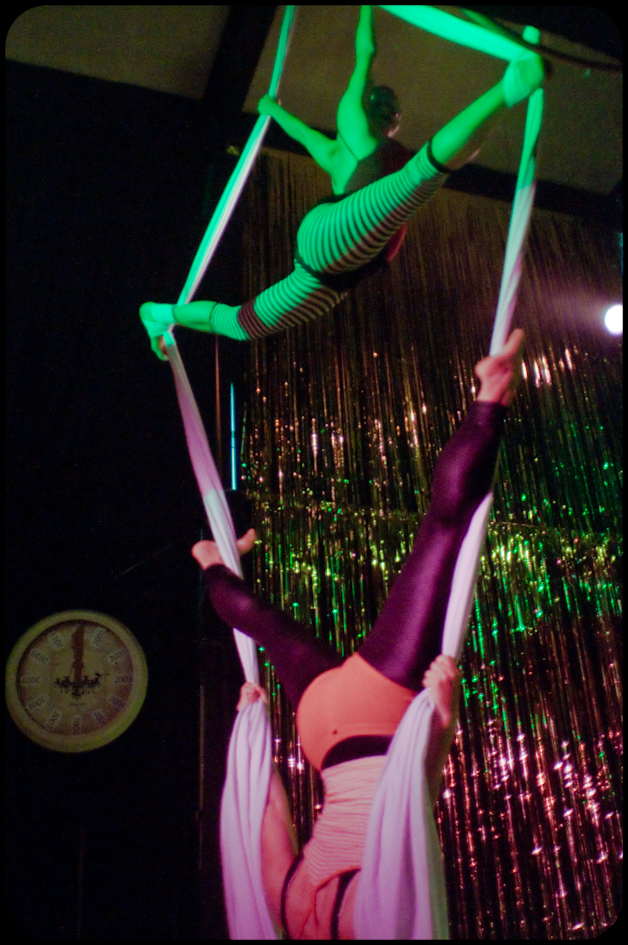 Silks at WOW's 10 year anniversary show (photo © Gaétane Claire)
